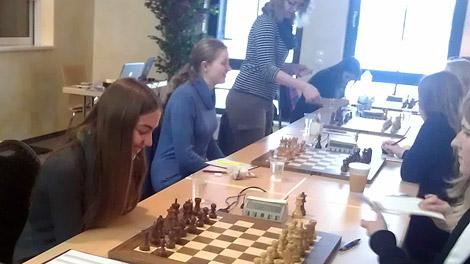 Ein Highlight des Turniers war das Spiel an Tisch eins gegen den späteren Deutschen Meister Lehrte.